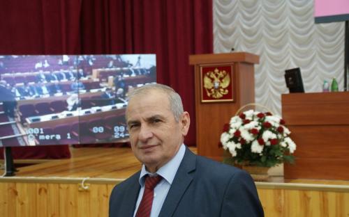 Картинки по запросу Депутаты республиканского парламента КЧР Биджев ведут прием граждан фото