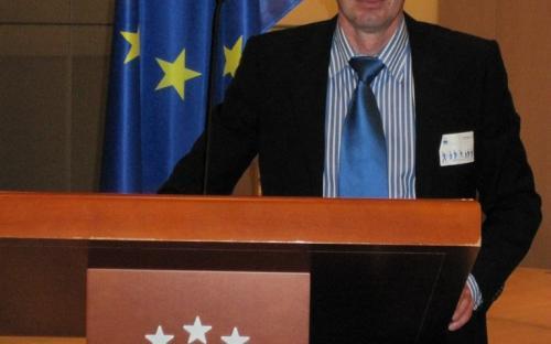 В двух чтениях одобрили парламентарии проект закона кчр о внесении изменения в статью 6 закона карачаево-черкесской