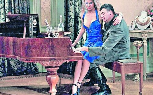 В ожидании амнистии (Коллаж с сайта www.234555.ru)