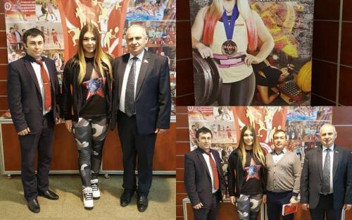 С самой сильной девочкой в мире Марьяной Наумовой